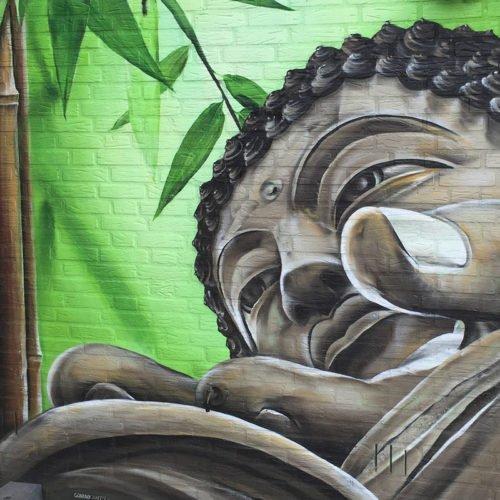 graffiti buddha tian tan tuinmuur echt