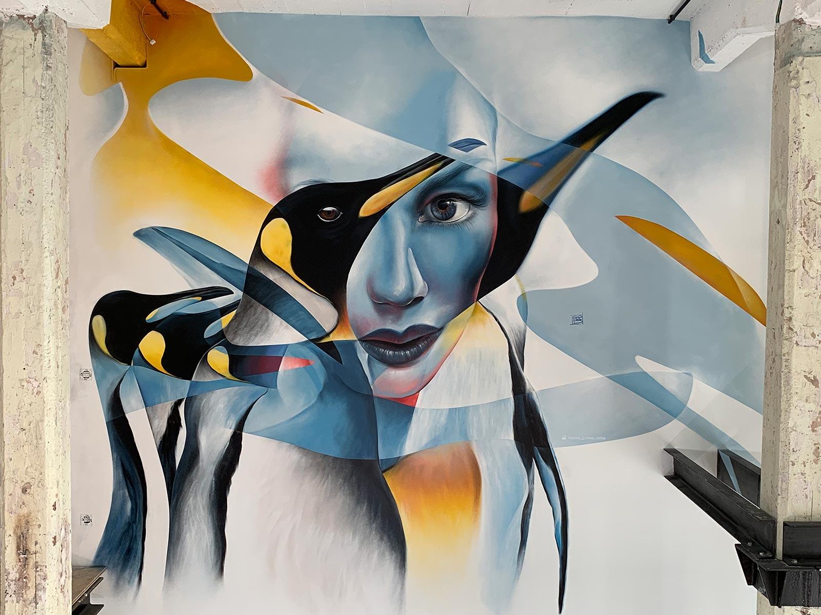vrij werk street art in een luxe loft Marcus GOMAD Debie