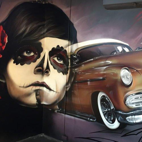 graffiti muurschildering Chevrolet en Mexican skull voor Tristan Kustomizing Heerlen